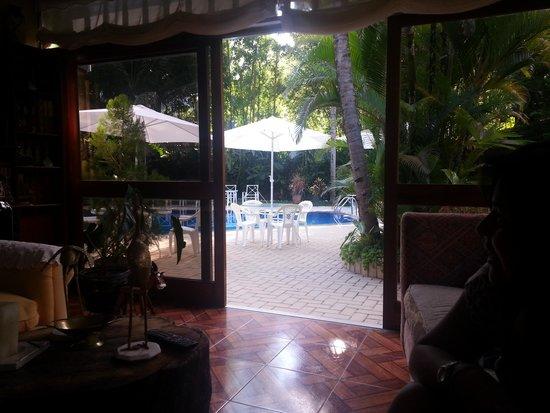 Cocos Boutique Hotel: Vista a la piscina
