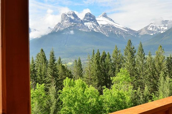HI-Canmore/Alpine Club of Canada: View from the balcony!