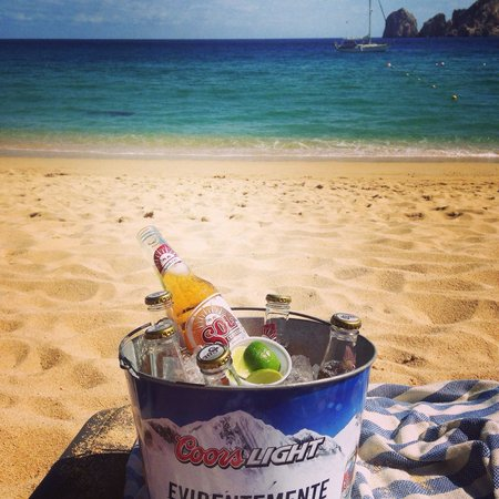 The Sand Bar: Bucket o'beer and amazing service! October 2014