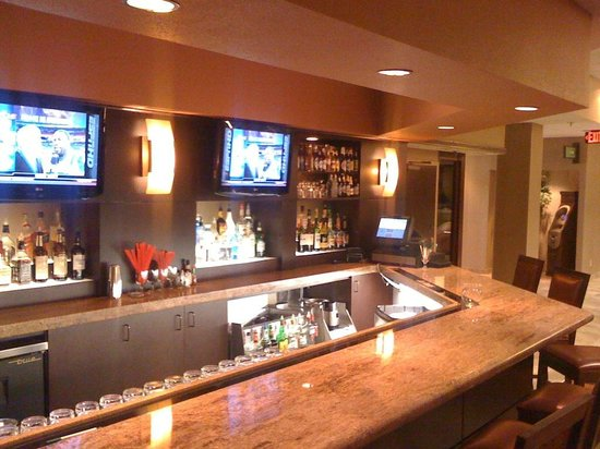 Holiday Inn Springdale/Fayetteville Area: Fountain Court Bar