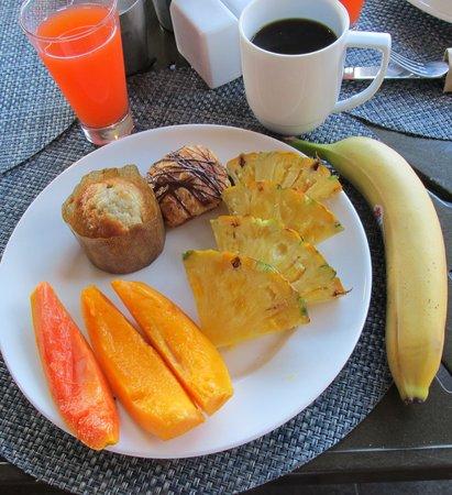 Lava's on Poipu: Continental breakfast