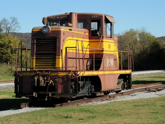 Cowan, TN: engine
