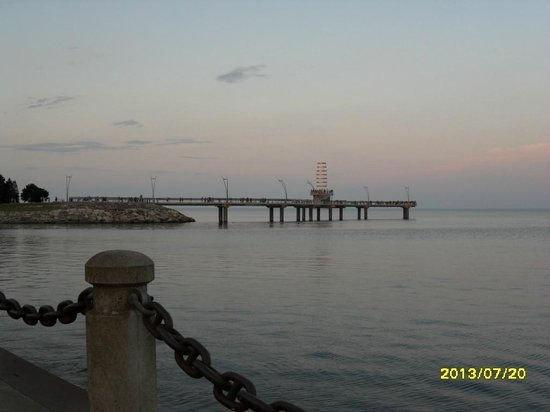 Burlington Waterfront Trail: The Pier from Spencer Smith Park