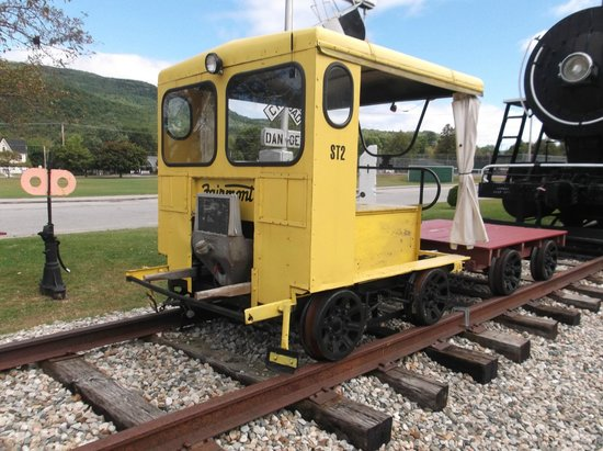 Gorham Historical Society & Railroad Museum : Track Maintenance car