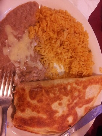 A La Mexicana: Chicken Quesidilla with rice & beans (lunch Special # 7)