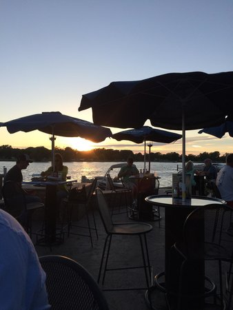 Fratello's Waterfront Brewery & Restaurant