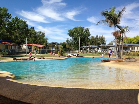 Discovery Parks – Maidens Inn, Moama: One of the 2 pools