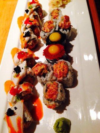 Woojung Byob Restaurant & Sushi Bar : Different rolls and sushi