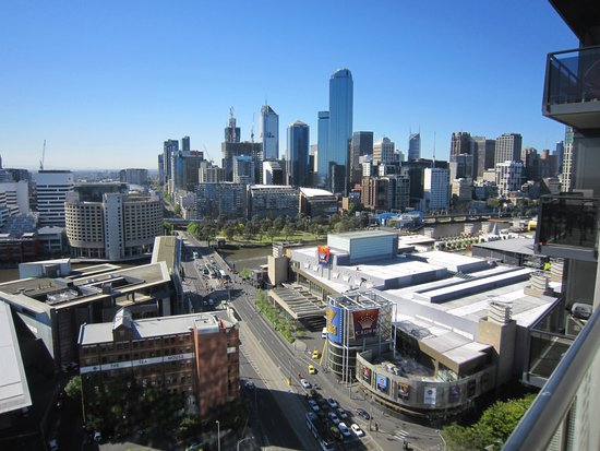 Melbourne Short Stay Apartments Whiteman Street: Our view