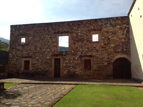 Foto de museo antiguo convento franciscano de santa ana de for Jardin del convento