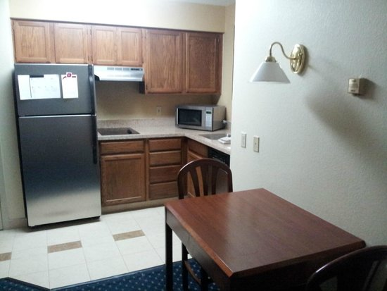 Residence Inn Chicago O'Hare: Kitchenette