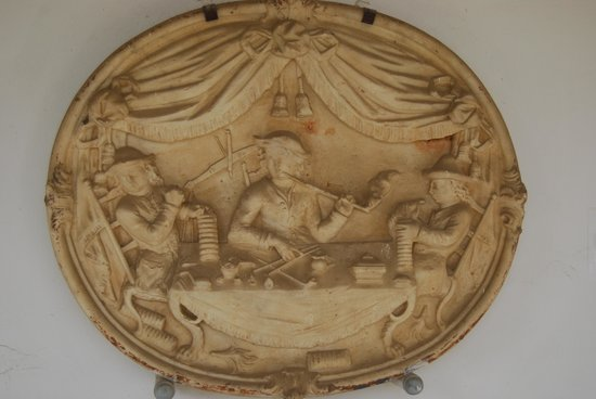 Curacao Museum: Carved art