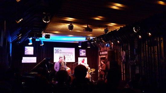 Reduta Jazz Club: Во время концерта