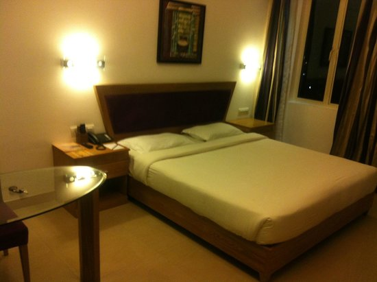Biverah Hotel & Suites: Room