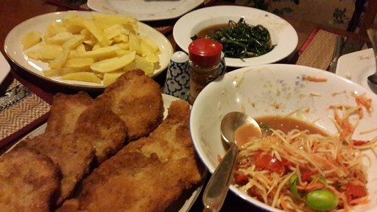 Baitong Homestay: Thai and Germany food