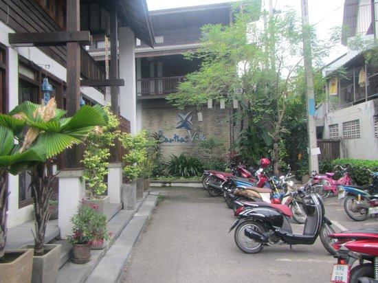 Banthai Village