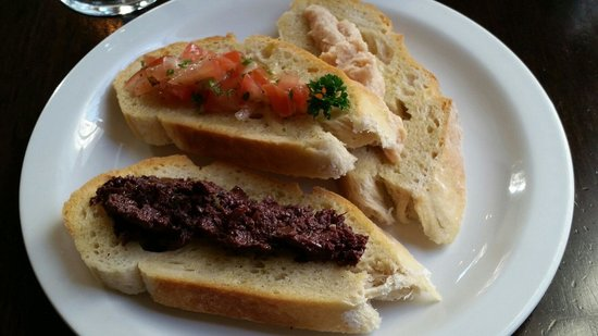 Etrusco at the Savoy : Bruschetta - $9.50