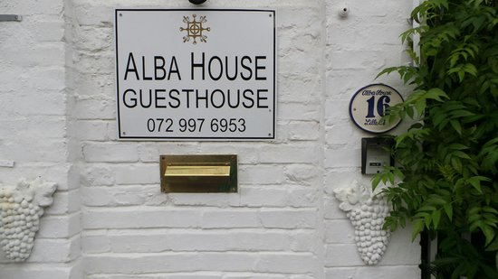 Alba House Bed and Breakfast: EINGANG