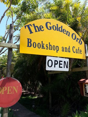 Golden Orb Bookshop Cafe: The Golden Orb Cafe