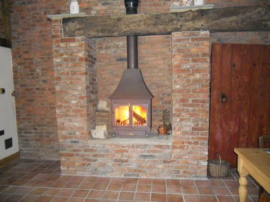 Longhirst, UK: Fire in the breakfast room