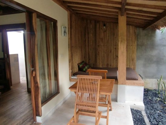 Coconut Dream Bungalows: veranda - coconut dream, baloo bungalow