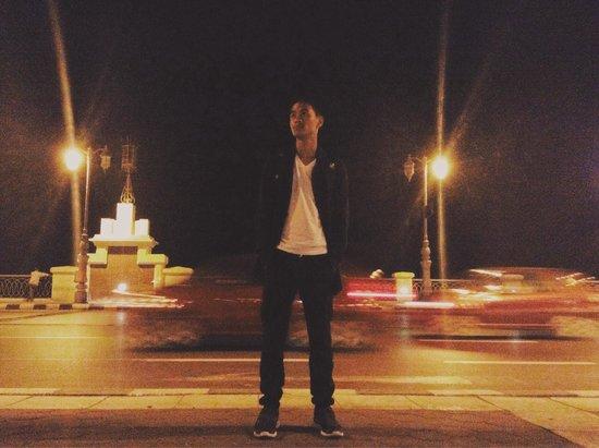 Stanley Bridge: Night out!