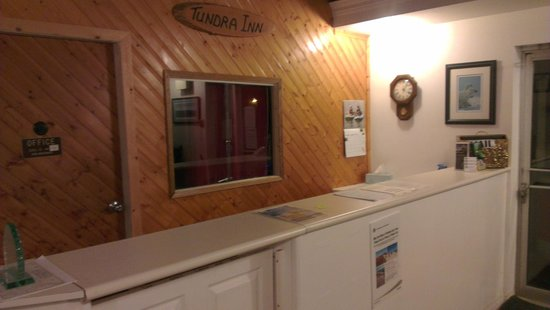 Tundra Inn: Front Desk