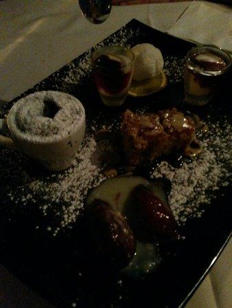 The Eucalyptus: сет десертов