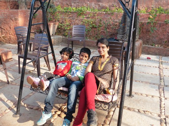 Exotic Home Stay - Panchgani : Swing at the homestay
