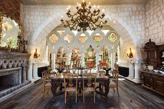 Sacred House : Restaurant_1
