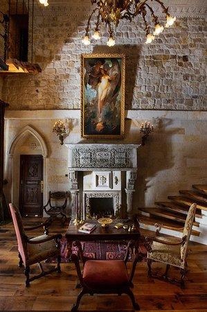 Sacred House : Lobby