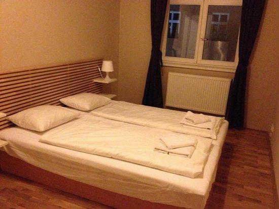 Picasso Apartments: La chambre