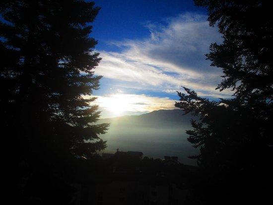 La Cerdagniere : Vue au levée du soleil sur la terasse
