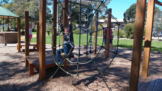 ‪Yarra Junction Community Playground‬