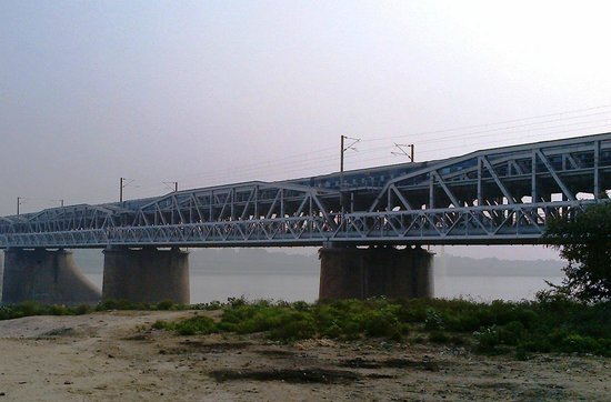 Close view of Old Naini Bridge Allahabad