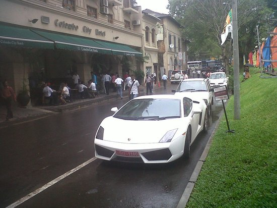 Colombo City Hotel : VIP Visitors