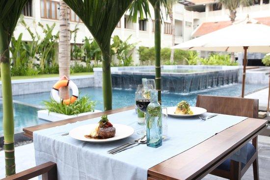 Four Plates Restaurant