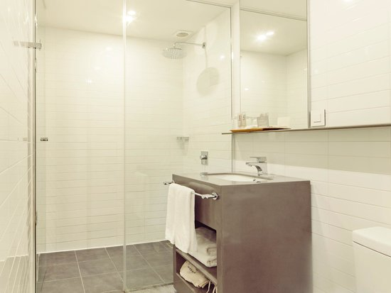 Industrie Hotel: bathroom