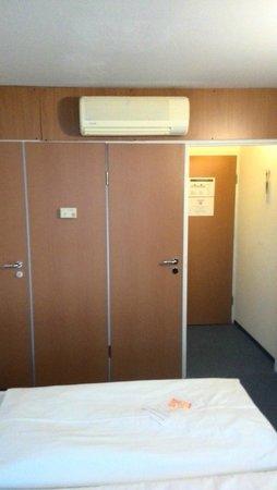 Pro Messe-Hotel Hannover: Стандартный двухместный номер с одной большой кроватью