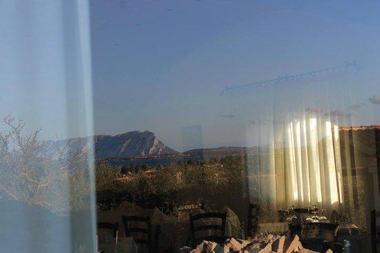 Lu Miriacheddu, Italia: Tavolara Vista dalla Vetrata