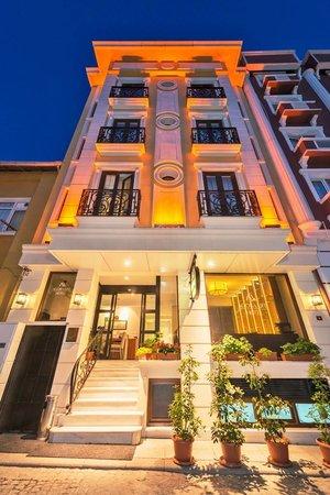 Agora Life Hotel: Exterior