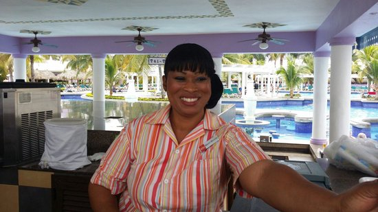 Friendliest people on earth! - Picture of Hotel Riu Montego Bay ...