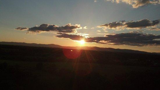 Sunkiss Ballooning: Sunset