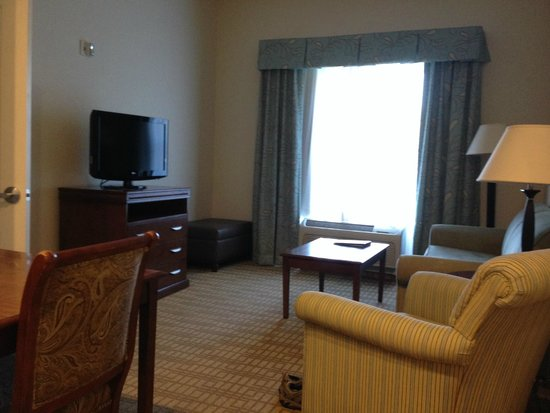 Homewood Suites by Hilton Wilmington/Mayfaire: From the kitchen into the living room