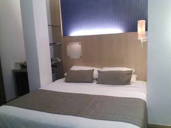 Ramee Guestline Dadar Hotel: comfy bed