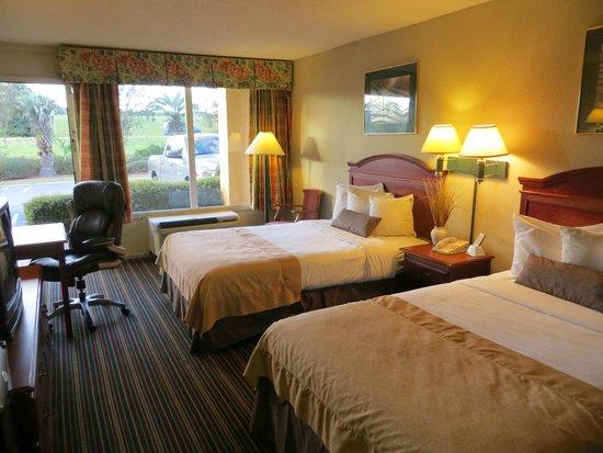 Econo Lodge Savannah South: 2 Double Beds