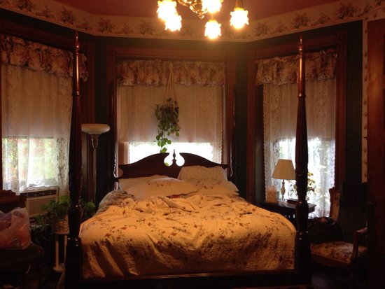 Spencer-Silver Mansion: My super cozy room