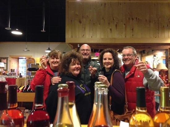 White Winter Winery: cheers!