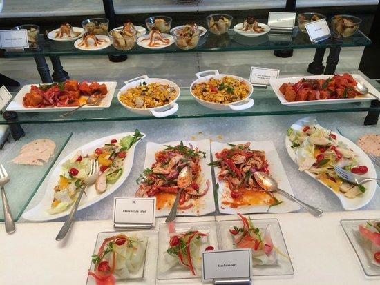 Buffet im Restaurant Esphahan des Hotels Oberoi