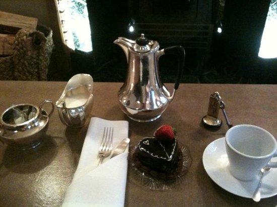 Durrants Hotel : Afternoon tea in Wallace Room